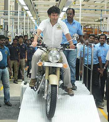 Royal-Enfield-Bis--Mr-Siddhartha-Lal,-MD-&-CEO-Eicher-Motors-Ltd-rolling-out-the-first-bike-Royal-Enfield-Desert-Storm-from-Oragadam-Plant