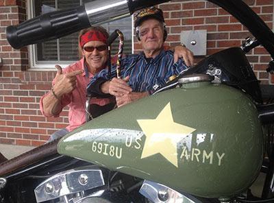 Veteran-with-Army-Bike